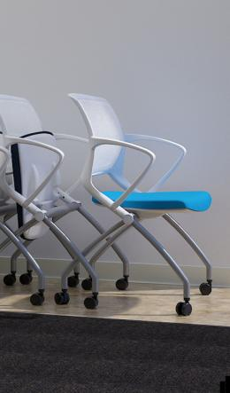 new office chairs 9to5 seating zoom guest chair at furniture finders