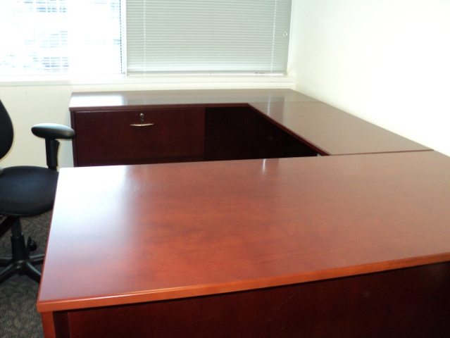 Wood Veneer U group desks - click to see full size photo