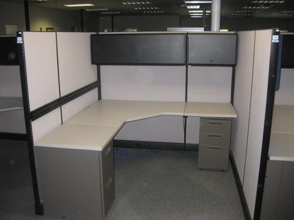 Used Office Cubicles Herman Miller Ao2 67 H Workstation