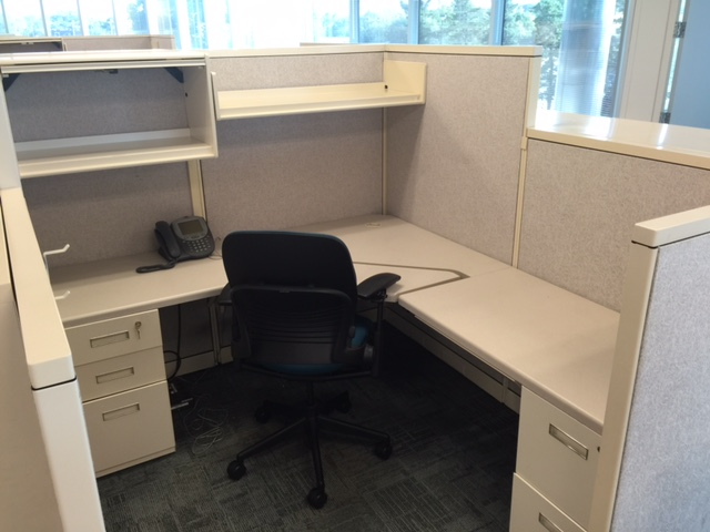 Used Office Cubicles Steelcase Avenir Workstations In St