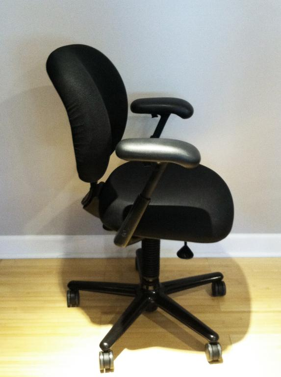 Used Office Chairs Herman Miller Ergon Chair At Furniture Finders