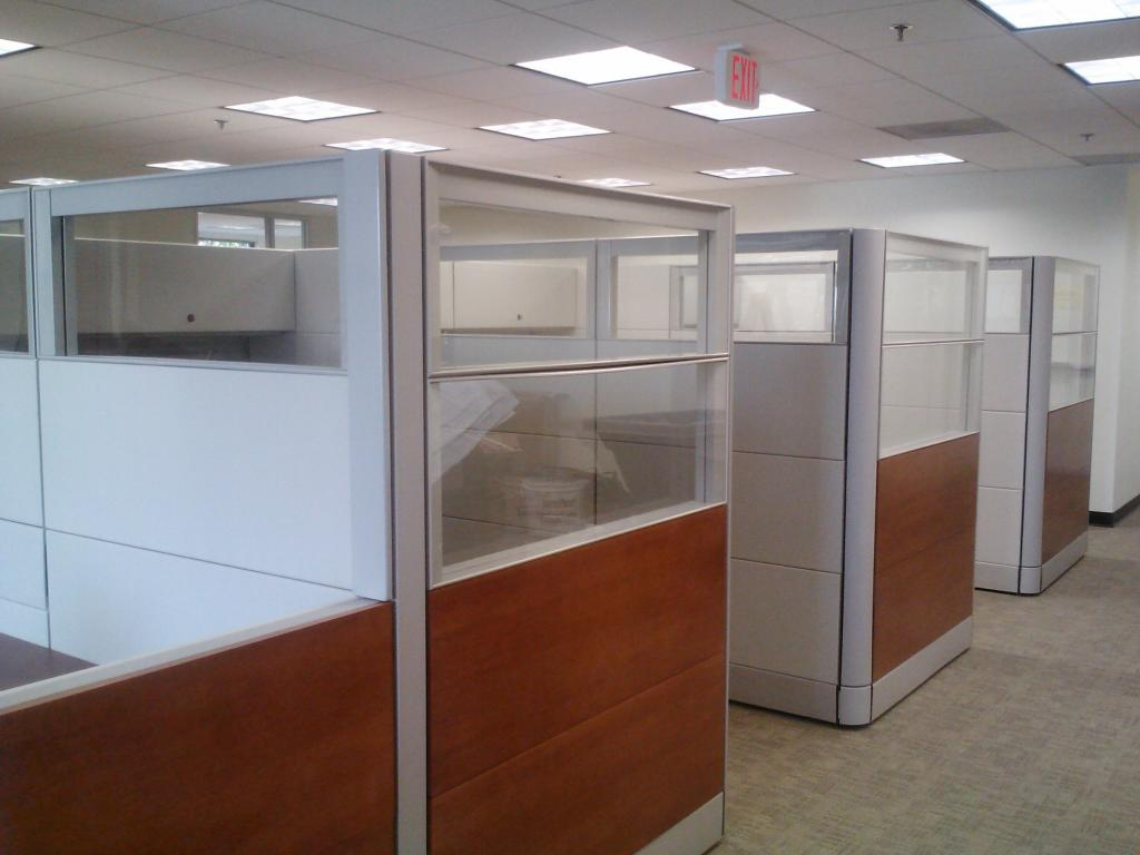 Glazed Office Cubicles : Refurbished office cubicles full height with