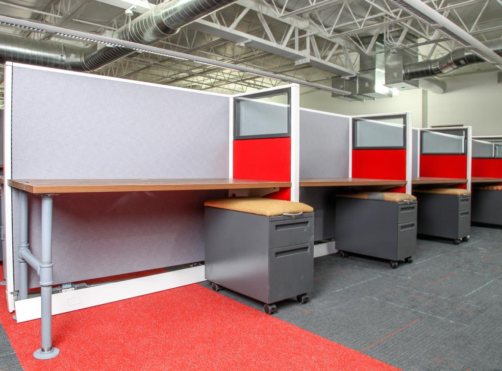 Used Office Furniture and Used Cubicles - at FurnitureFinders