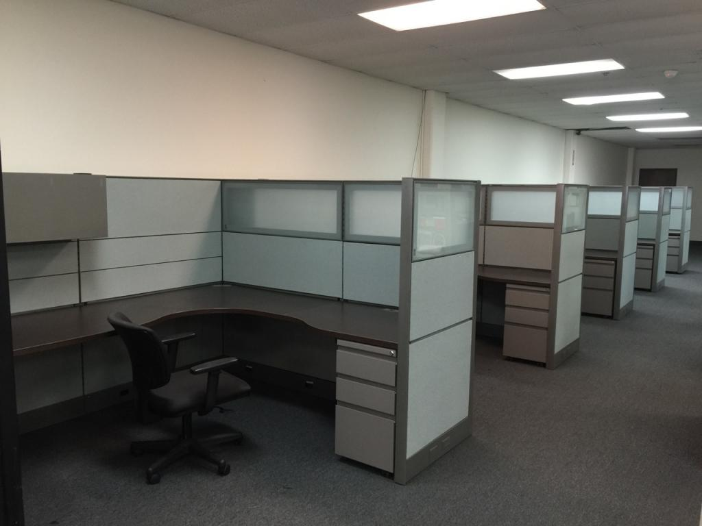 Glazed Office Cubicles : Used office cubicles with frosted glass panels