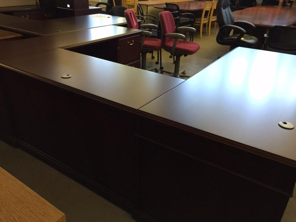 Used Office Desks Executive U Shape Desk In Mahogany Color Wood At Furniture Finders
