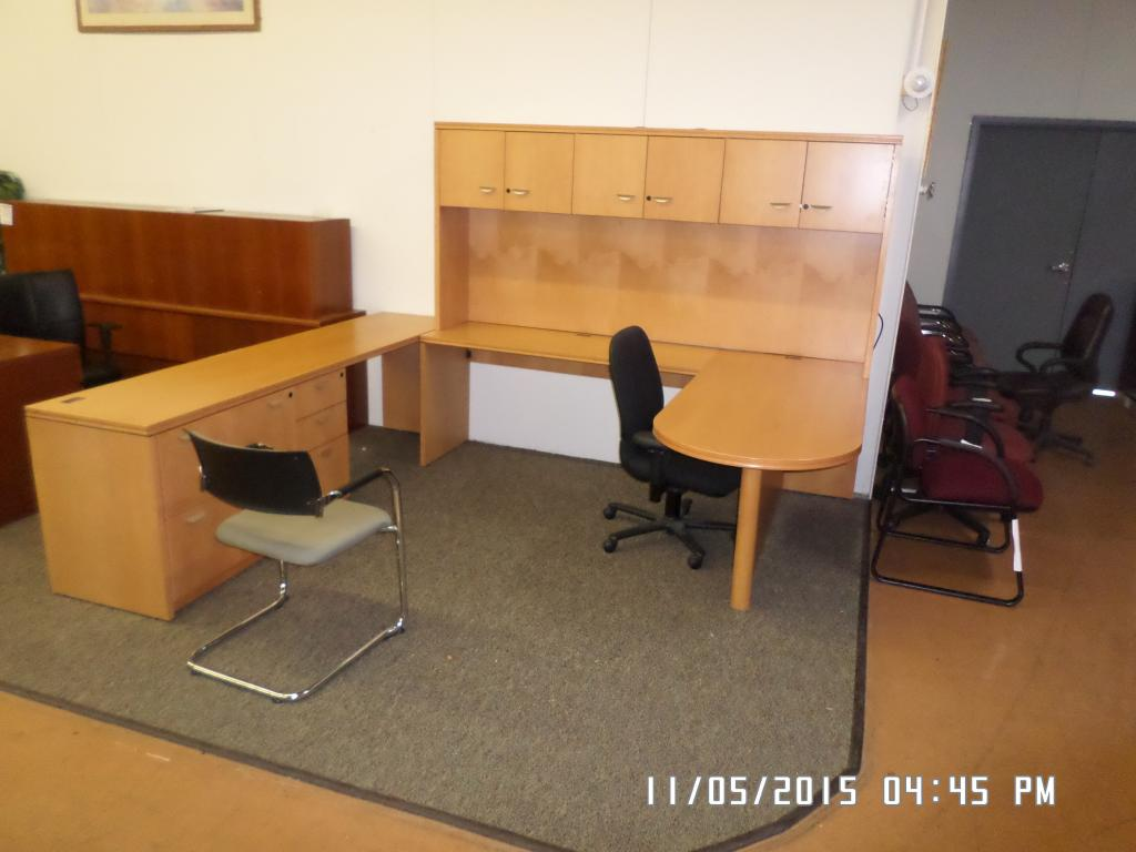 Used Office Desks Teknion Veneer U Desk At Furniture Finders