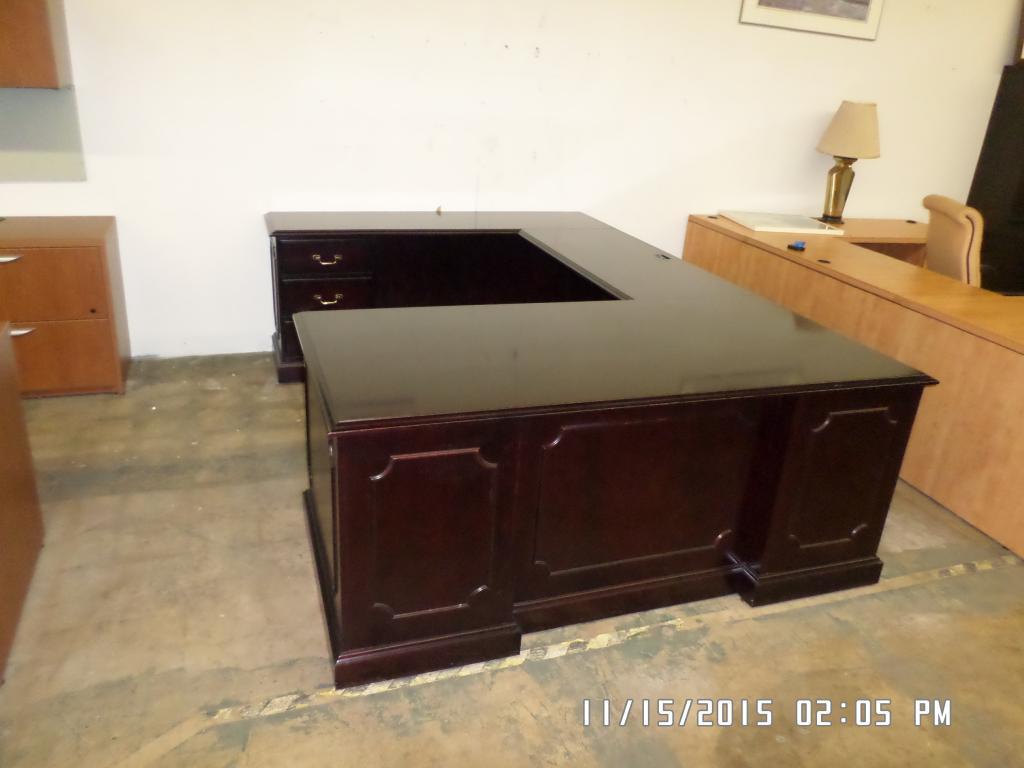 Used Office Desks Paoli U Desk At Furniture Finders