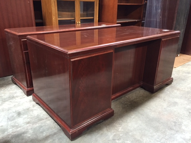 Used Helikon Furniture