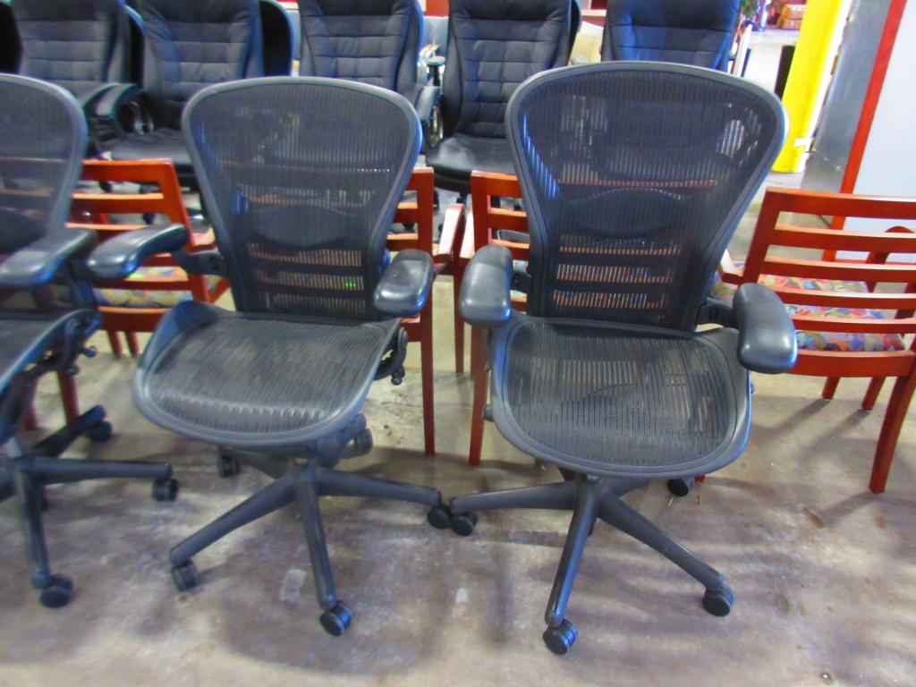 Used Office Chairs Herman Miller Aeron Size C Task Chairs At Furniture Finders