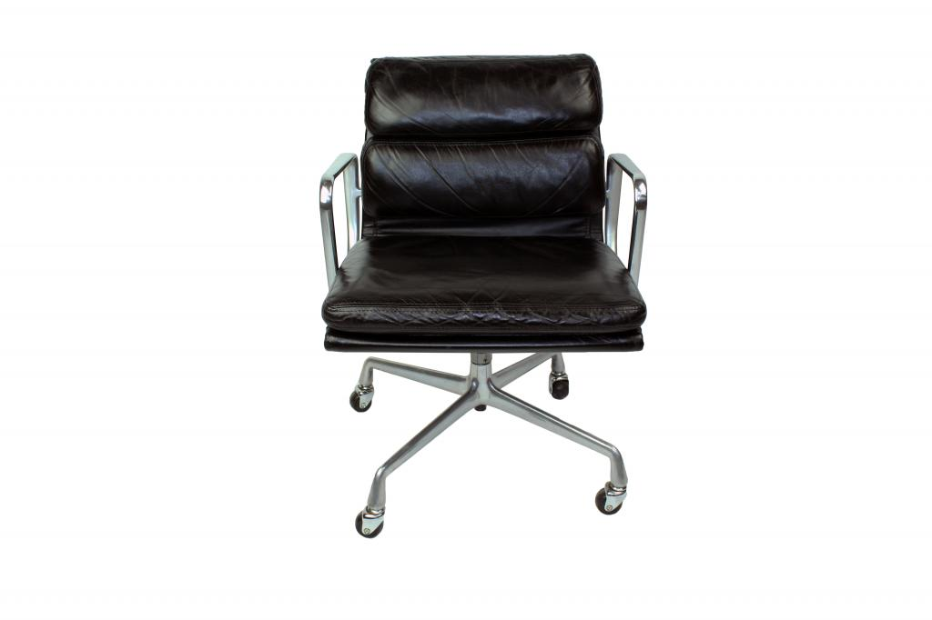 Eames Soft Pad Management Chair Used By Used Office Chairs Herman Miller Eames  Soft Pad ...