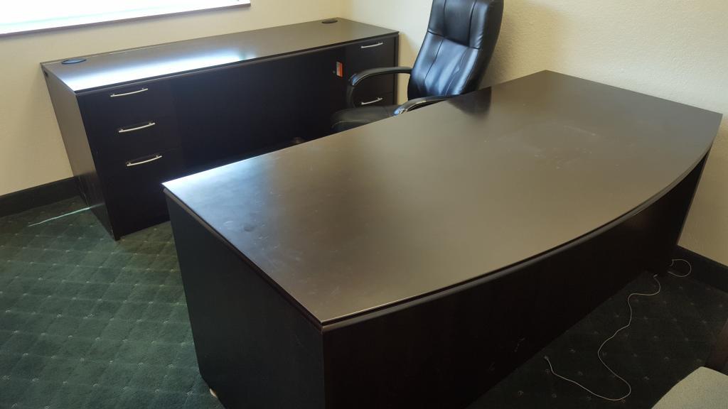 Used Office Desks Paoli Desk Sets At Furniture Finders