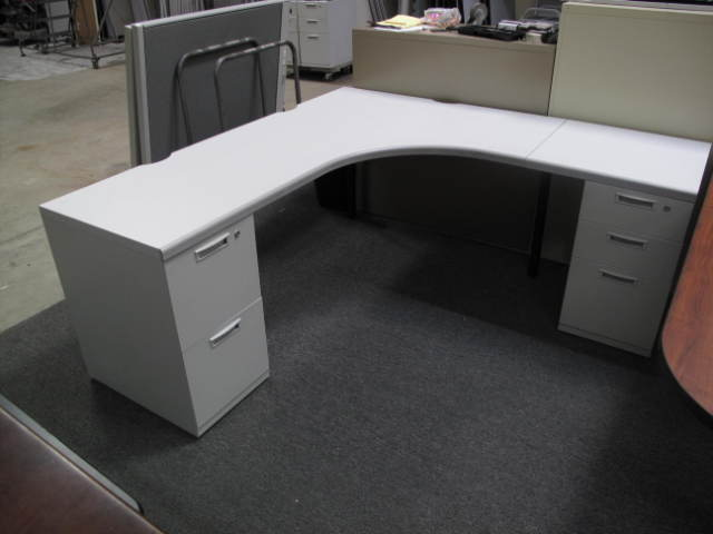 Used Office Desks Used Free Standing Modular Desks 9 349