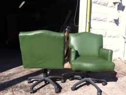 TRADITIONAL SWIVEL CHAIRS