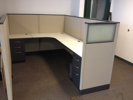 Mid-height Used Cubicles w/ GLASS Wing Panel