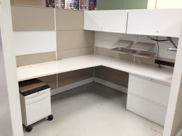 Teknion Leverage workstations