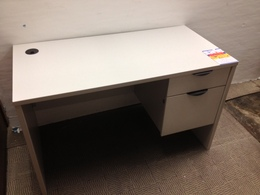 LAMINATE DESKS NEW