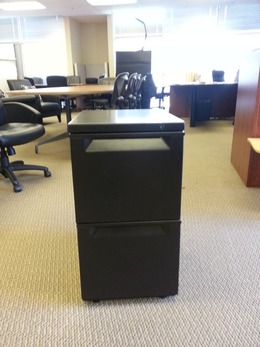 Used (FF) 2-Drawer Pedestals