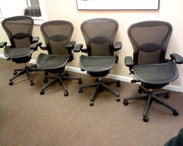 NEW HERMAN MILLER AERON CHAIR SIZE B