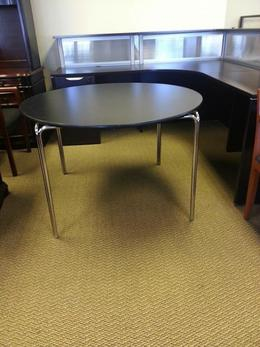 "Pre-Ownd 42"" Round Tables"