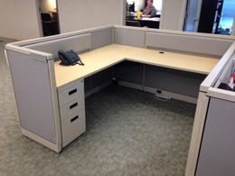 AIS M-Wall Workstations | Used Cubicles