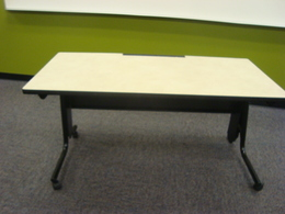 Height / Adjustable - flexible table