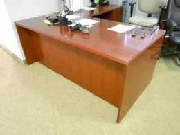 Gorgeous Rudnick Wood Veneer L Shape Desks