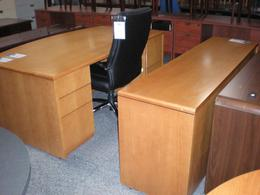 SteelCase Bow Front Desk Oak Veneer
