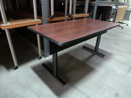 Used Vecta Office Tables Furniturefinders
