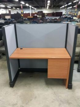 FRIANT 4 x 2 Telemarketing Workstations