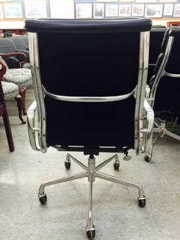 Used Office Chairs Herman Miller Eames Soft Pad Executive Chairs