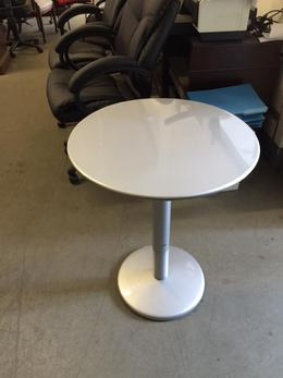 "ROUND CAFETERIA/RESTAURANT TABLE 23""D by EMU"