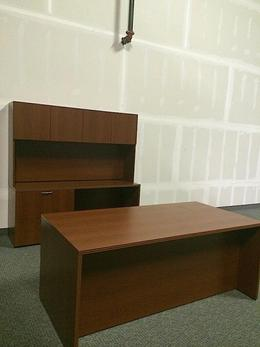 Great deal on office desks