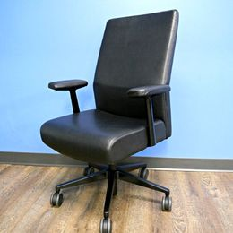 Steelcase Siento Executive Chair