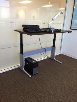 Electric Sit to Stand Desk/Table
