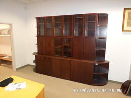 Wall unit with Glass