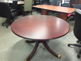 TRADITIONAL STYLE ROUND CONFERENCE TABLE