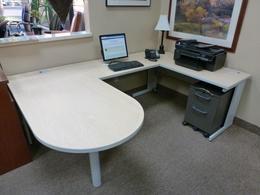 Used Office Desks Page 8 Furniturefinders