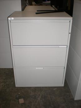 Meridian 3 Drawer 30