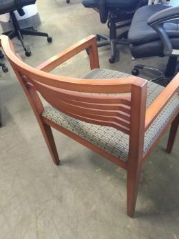 EXECUTIVE GUEST/SIDE CHAIR by KNOLL
