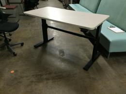 Adjustable Height Crank Table