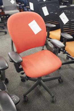 Steelcase Leap 462 V1 Task Chair (Scarlet)