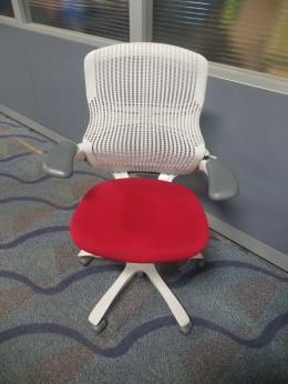 KNOLL GENERATION TASK CHAIRS