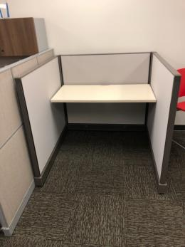 CUBICLES/OFFICE FURNITURE FOR A GREAT PRICE!!