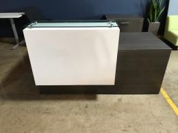 Pre-Owned 30x72 Reception Station