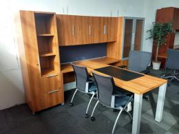 Lacasse T-Shaped Private Office