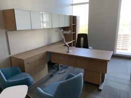 Pre-owned Haworth Desk Set