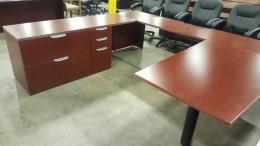 Mahogany wood veneer U shape desks