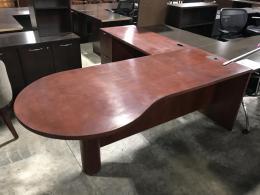 Mahogany P-top L-desk