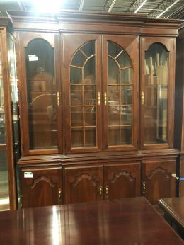 Traditional China Cabinets