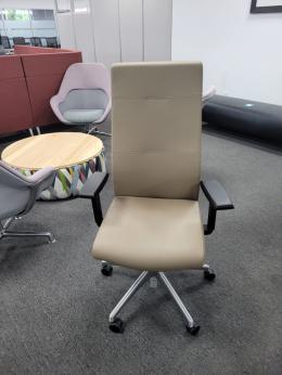 SitOnIt Prava task chairs
